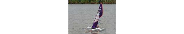 Skate 1000 Trimaran Sailboat 1700mm