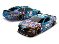 NASCAR Diecast Lionel Racing Kyle Busch Snickers Crispier 2017 Toyota Camry 1:24 ARC