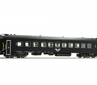 Roco/Fleischmann HO Scale 2nd Class Passenger Carriage SJ
