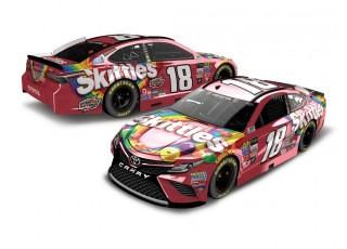 NASCAR Lionel Racing Diecast Car Kyle Busch Skittles 2017 Toyota Camry 1:24 ARC Diecast Car