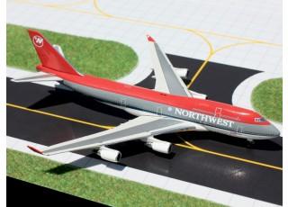 Gemini Jets Northwest Airlines (Bowling Shoe Livery) Boeing 747-400 N671US 1:400 Diecast Model GJNWA927