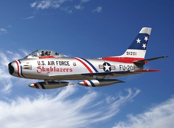 """Italeri 1/48 Schaal F-86F Sabre Jet """"Skyblazers"""" plastic model kit"""
