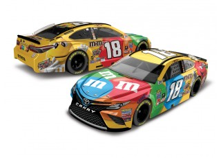 NASCAR Diecast Lionel Racing Kyle Busch M&M Brand 2017 Toyota Camry 1:64 ARC