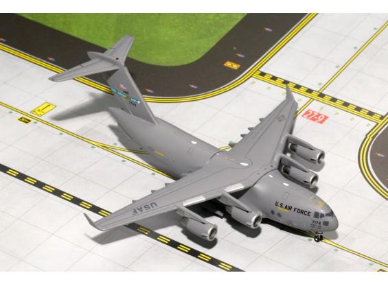 Gemini Jets MACS United States Air Force (USAF) Boeing C-17 Globemaster III (Dover AFB) 87-7174 1:400 Diecast Model GMUSA067