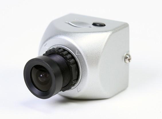 FatShark PilotHD支持720p 30fps的高清摄像头FPV