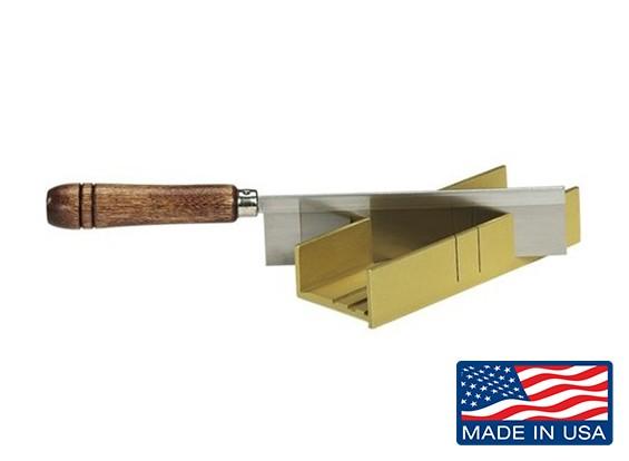 卵细槽铝锯箱和精细剃刀锯设置