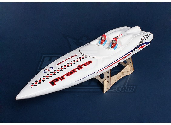 只有食人鱼600(670毫米)玻璃纤维船体