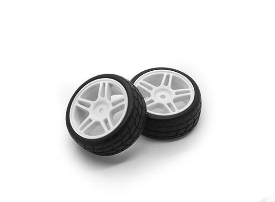 HobbyKing 1/10 Roue / pneu Set étoile Spoke Directional Tread (Blanc) RC 26mm de voitures (2pcs)