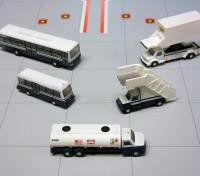 Gemini Jets Airport Service Vehicles 5 piece set 1:200 G2APS450