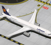 Gemini Jets Lufthansa Airbus A321-200 Crane Protection Germany D-AIRR 1:400 Diecast Model GJDLH1619