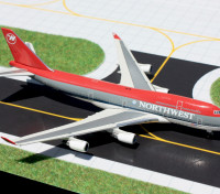 Gemini Jets Northwest Airlines (Bowling Shoe Livery) Boeing 747-400 N671US 1:400 Diecast Model GJNWA927