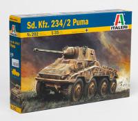 Italeri SD.KFZ 1/35 Scale. Kit 234/2 Puma Pastic Modèle