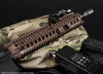 MADBULL Daniel Defense Lizenzierte 7-Zoll-OmegaX Schiene FSP (schwarz)