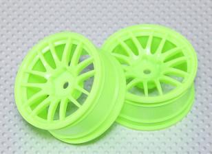 Maßstab 1:10 Wheel Set (2 Stück) Fluorescent Grün Split 7-Speichen-RC Car 26mm (3mm Offset)