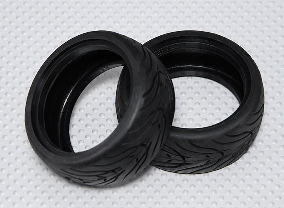 Escala 1:10 neumáticos de turismo de goma de coches w / 26mm banda de rodamiento - Compuesto Medio (2pcs)