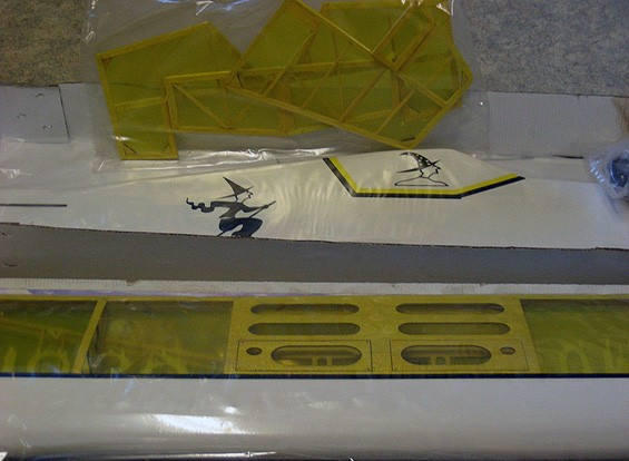 SCRATCH / DENT - Hummer 25-32 3D 1000 mm Perfil Balsa (KIT) (AUS Almacén)