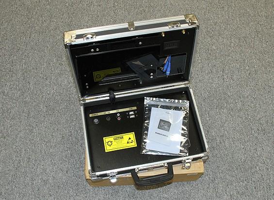 """SCRATCH / DENT - Ground Station FPV Quanum con 8 """"Monitor e visualizzazione tensione"""