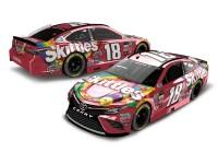 NASCAR Diecast Lionel Racing Kyle Busch Skittles 2017 Toyota Camry 1:24 ARC