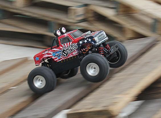 Башер Реактивные клоуны 1/16 Mini Monster Truck (РТР)