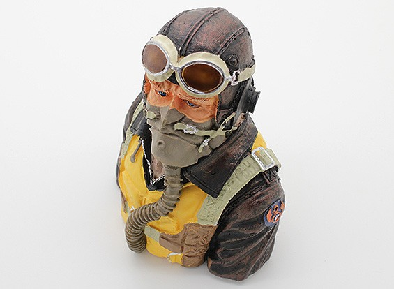 Highly Detailed Model Pilot (H107 x W85 x D50mm)