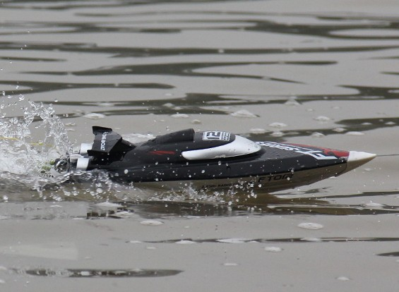 FT012 Brushless V-Hull Racing Boat With Self-Righting Feature (UK Plug)