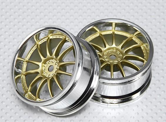 1:10スケールホイールセット(2個)クローム/ゴールドスプリット6スポークRCカー26ミリメートル(3ミリメートルオフセット)