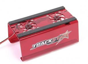 TrackStarカーは、冷却ファンとスタンド