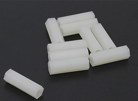 5,6 milímetros x 18 mm M3 Nylon Tapped Spacer (10pc)