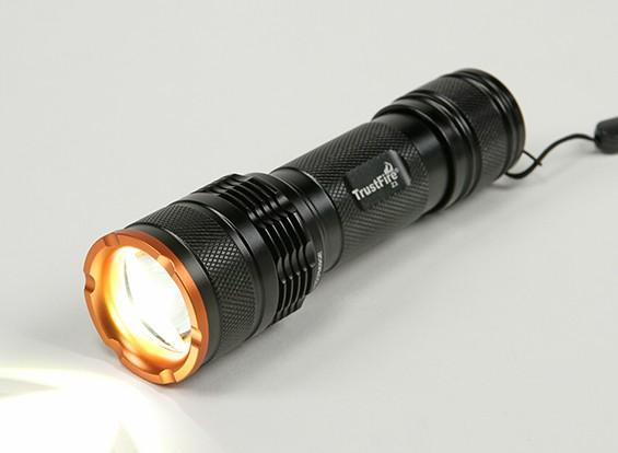 TR-Z3 Zoomable lanterna LED