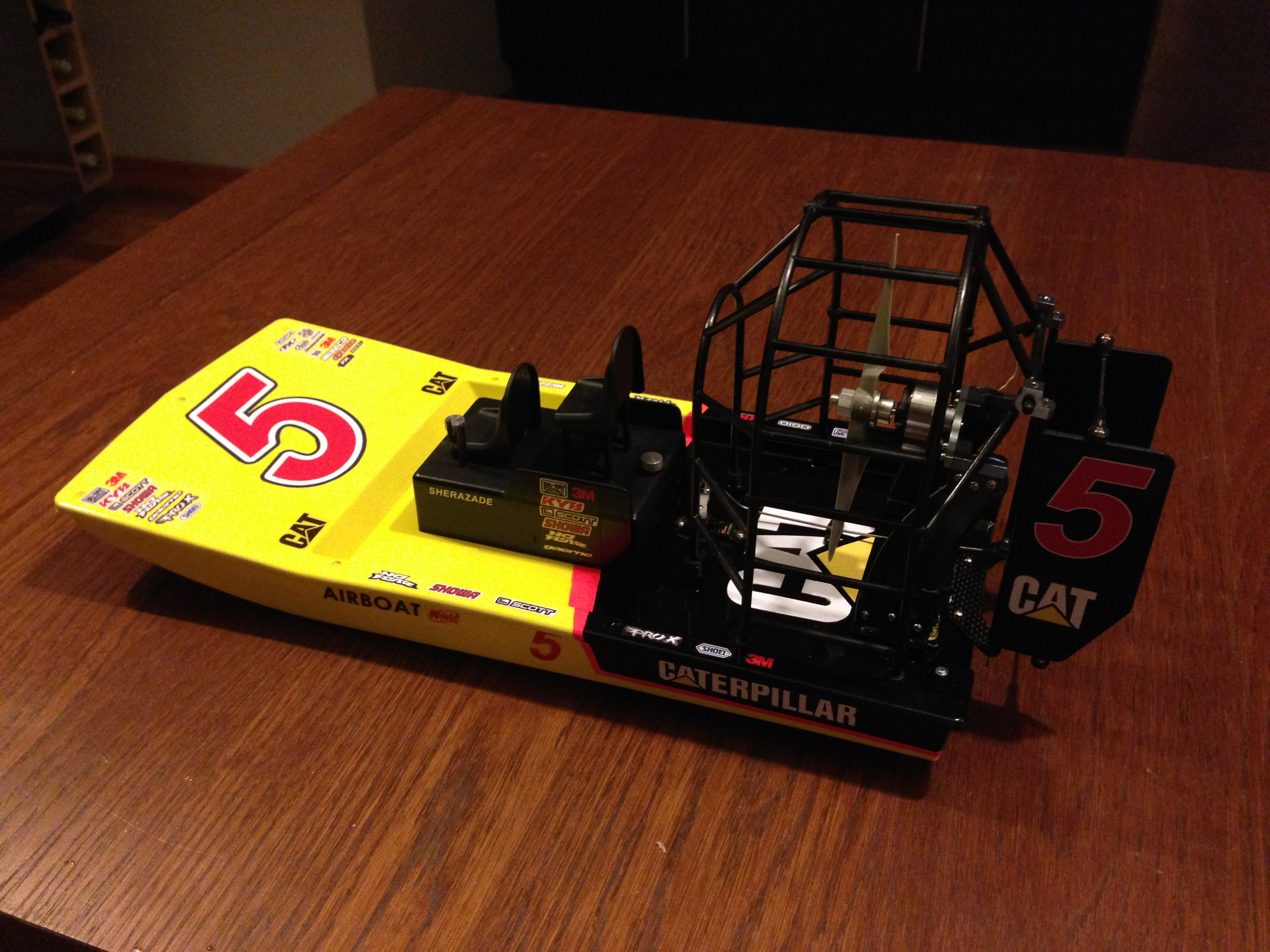 Hobbyking swamp dawg air boat arr no file name sciox Image collections
